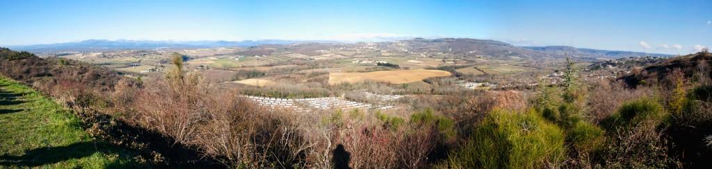 Les paysages des environs de Villeneuve-de-Berg sont menacés d'être hérissés de derricks.