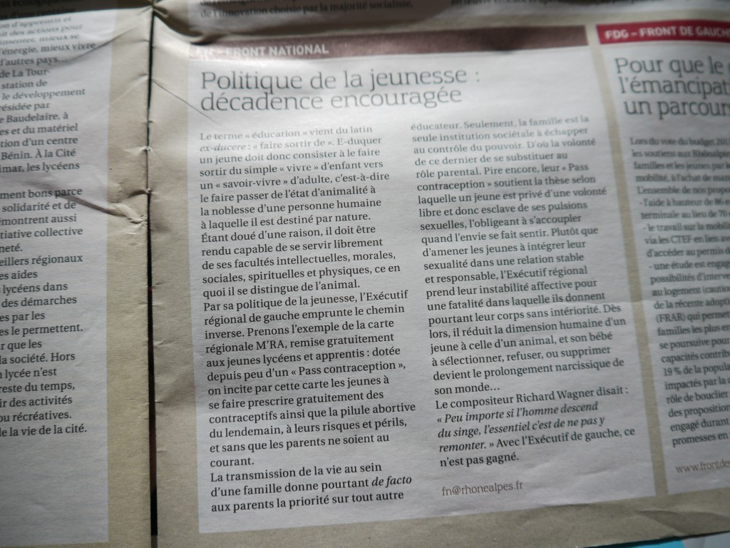 """Tribune du groupe Front National dans le journal """"Rhône-Alpes"""" de septembre 2012."""